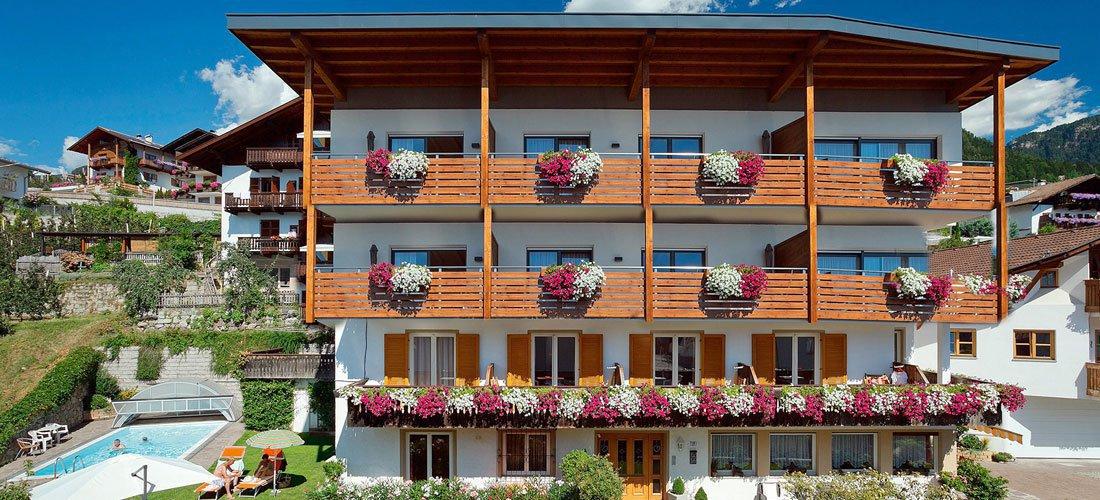 Residence Nelkenstein - Gemütliche Ferienwohnungen in Schenna