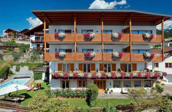 residence-nelkenstein-schenna-meraner-land-suedtirol (29)